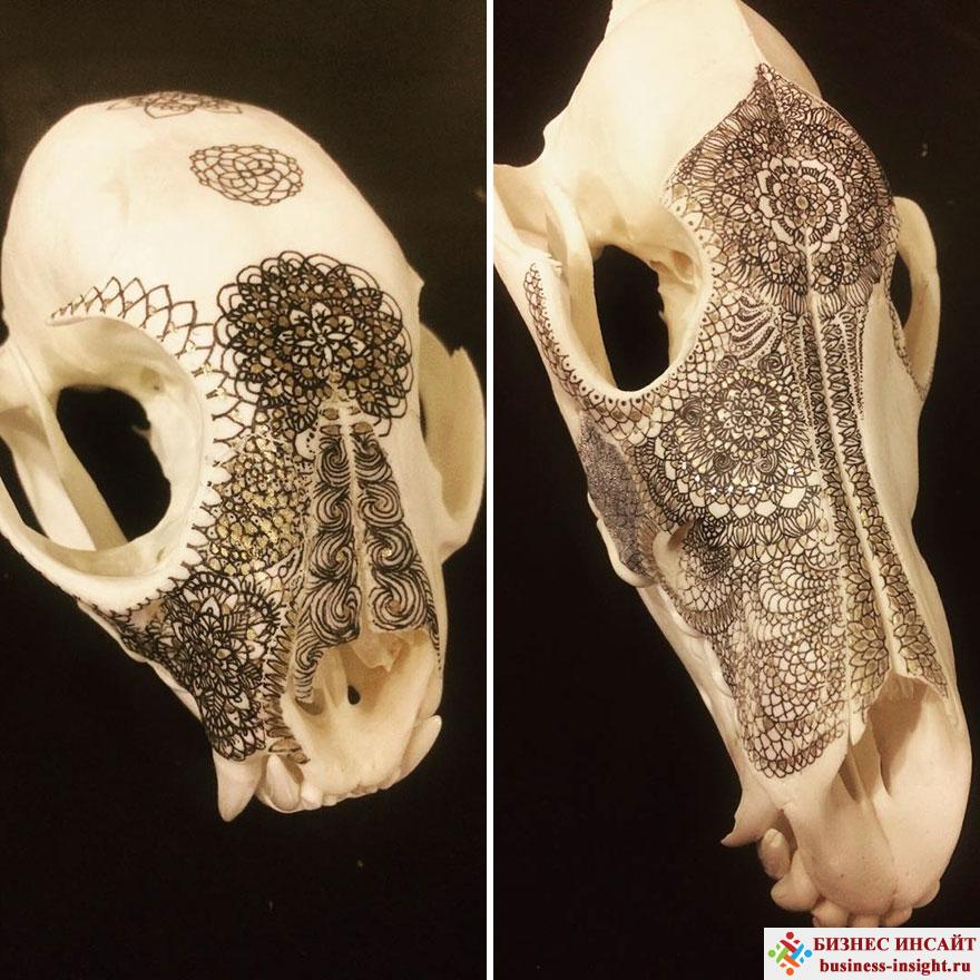 Декоративный череп с золотой мандалой Рысь и волк
