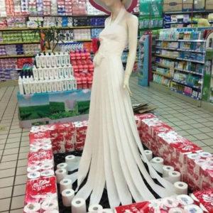 Прекрасная юбка из туалетной бумаги