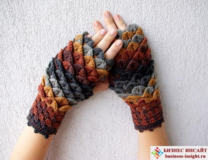 Вязаные перчатки, похожие на чешую дракона