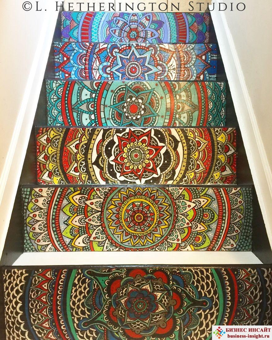 Лестница с мандалами