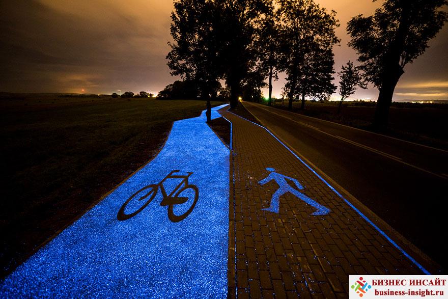 Светящаяся в темноте велосипедная дорожка