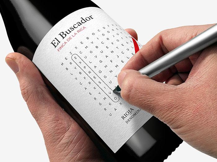 102. Бутылка вина с загадками на этикетке