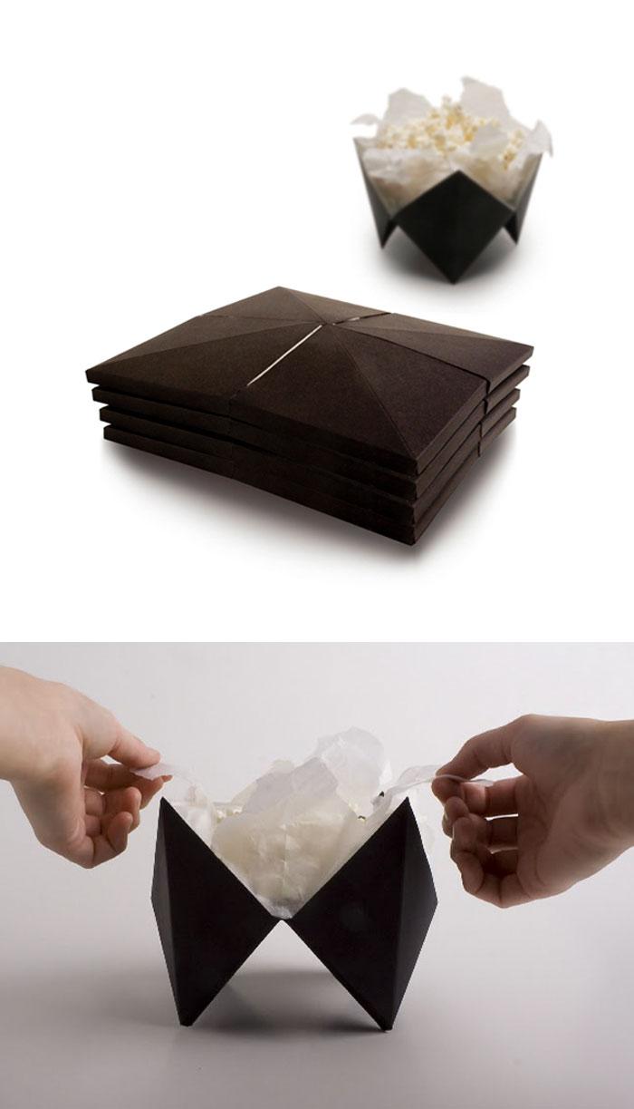 24. Упаковка для попкорна, которая превращается в тарелку, когда попкорн готов