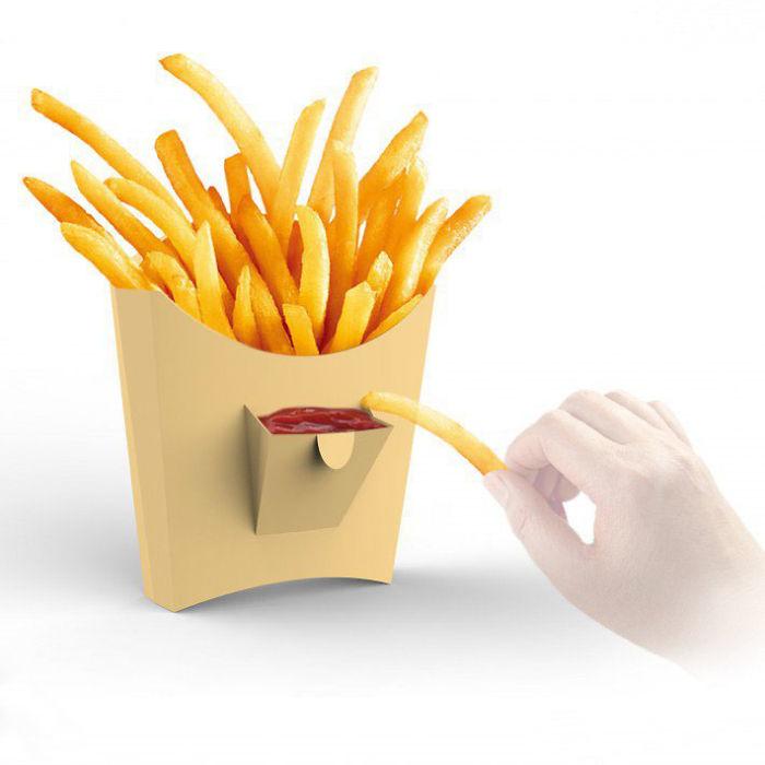 30. Упаковка картофеля фри с карманом для кетчупа