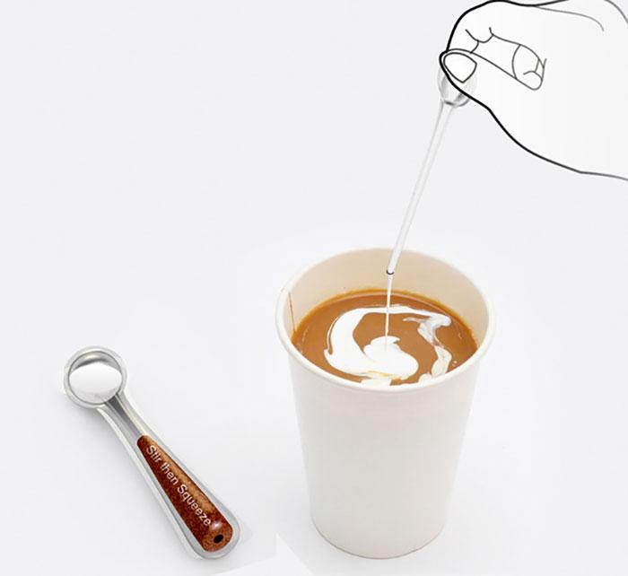 81. Перемешайте, затем сожмите. Палочка для мгновенного приготовления кофе