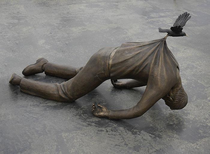 Скульптуры, которые несовместимы с законами гравитации